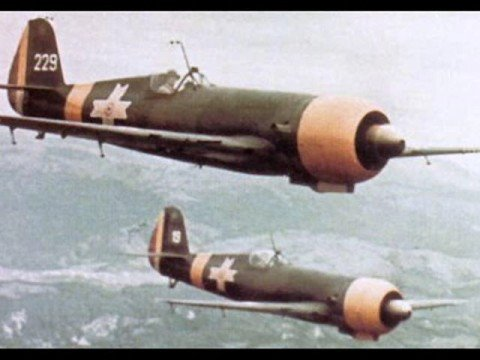iar-80-en-formacion-FARR-Gruparea Aeriana de Lupta