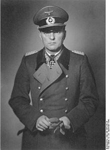 kinzel-eberhardt-220px-bundesarchiv_bild_146-1985-048-28_eberhard_kinzel