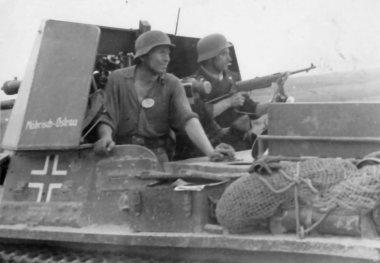 Panzerjaeger I crew