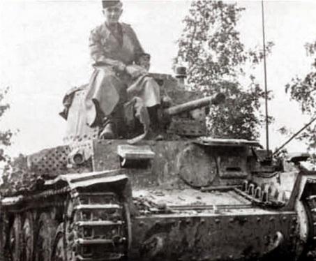 pz-38t-otto carius-Zugführer di 10.Kompanie : III.Abteilung : Panzer-Regiment 21 : 20.Panzer-Division